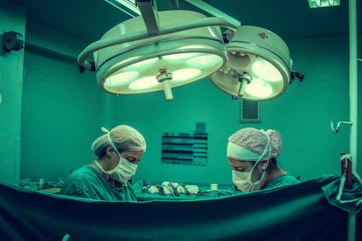 chirurgie chirurgiens docteur gens