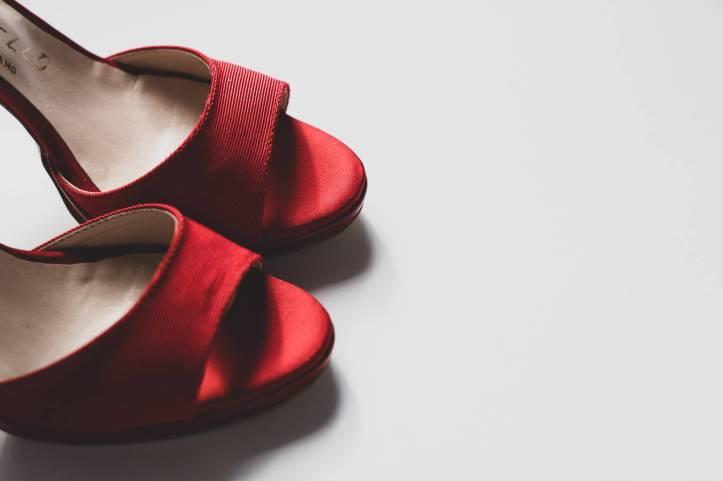 mode rouge femme pieds