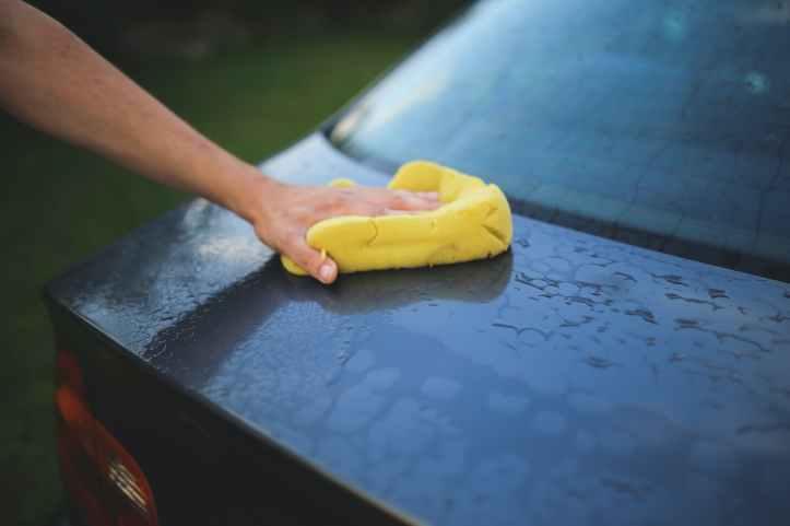 car wash eponge faire la lessive frotter