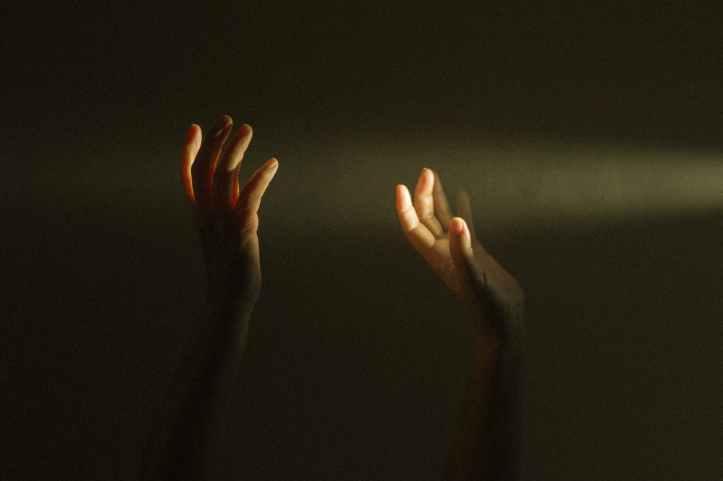lumineux mains coffre sante
